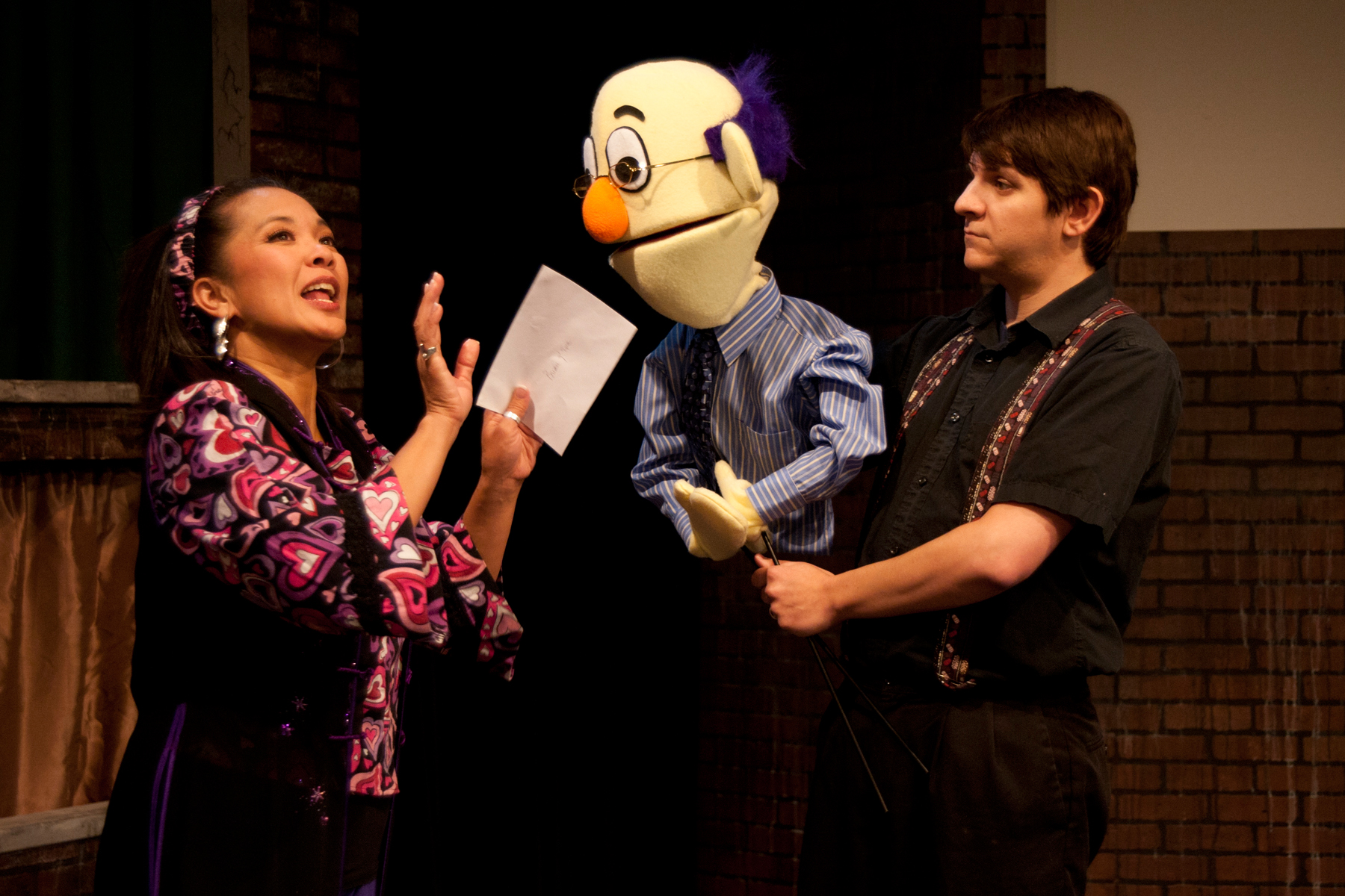 Avenue Q Christmas Eve.Review Vintage Makes The Inanimate Intimate In Avenue Q